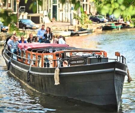 Private Grachtenfahrt Amsterdam grosses Elektroboot