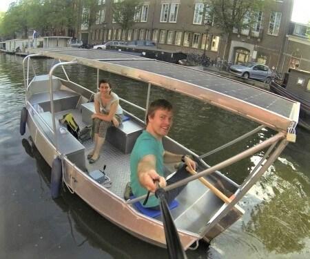 Grachtenfahrt Amsterdam kleines Boot mieten